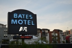 San Diego Comic Con 2013 Preview Night Bates Motel Sign