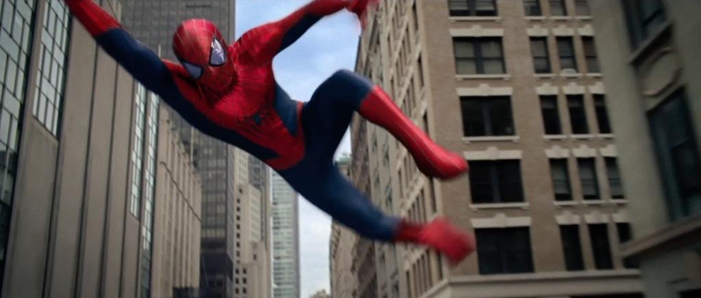 The Amazing Spider-Man 2 Teaser Trailer Swinging 3