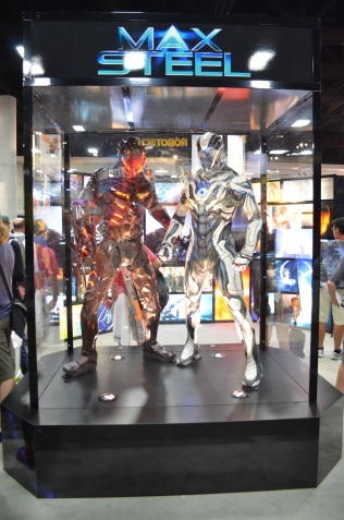 Comic-Con 2014 Max Steel Suits