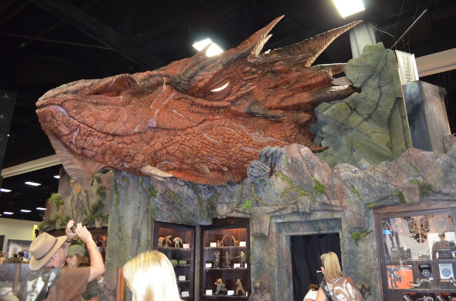 Comic-Con 2014 The Hobbit Smaug Booth