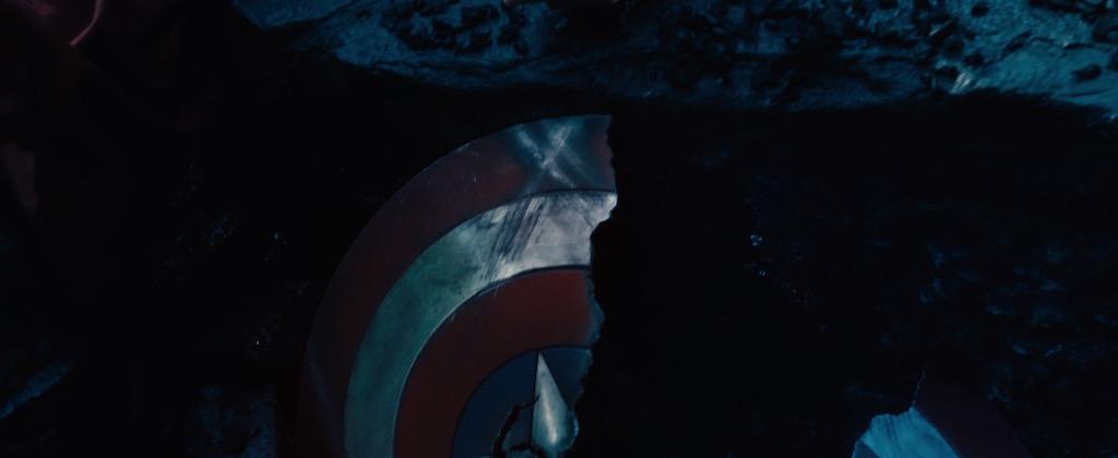 Avengers 2 Age of Utlron Screenshot Broken Captain America Shield