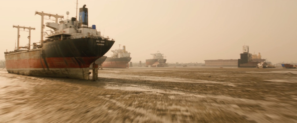 Avengers 2 Age of Utlron Screenshot Shipping Tankers