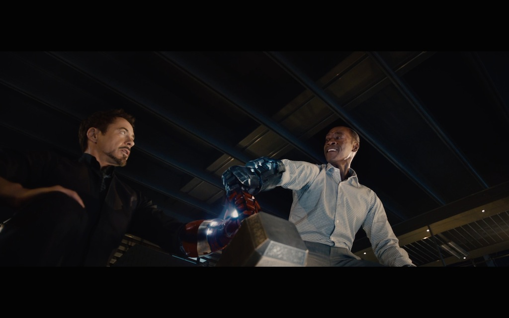 Avengers Age of Ultron Screenshot Tony Stark and James Rhodes