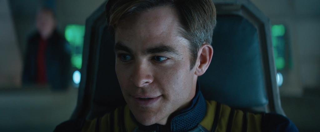 Star Trek Beyond Teaser Screenshot Chris Pine Captain Kirk