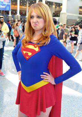 WonderCon 2016 Cosplay Funny Outtakes 105 Supergirl