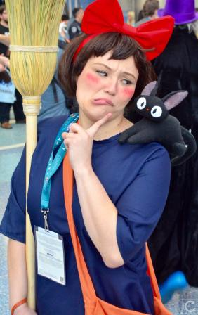 WonderCon 2016 Cosplay Funny Outtakes 117 Kiki's Delivery Service