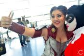 WonderCon 2016 Cosplay Funny Outtakes 14 Lady Sif Harley Selfie