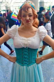 WonderCon 2016 Cosplay Funny Outtakes 19 Thumbelina Joanna Lynn Bert