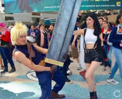 WonderCon 2016 Cosplay Funny Outtakes 26 Cloud Tifa FFVII