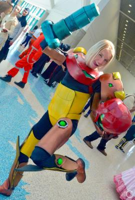 WonderCon 2016 Cosplay Funny Outtakes 31 Samus Metroid Armor