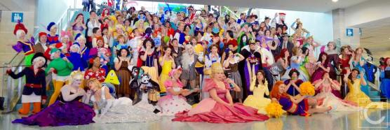 WonderCon 2016 Cosplay Funny Outtakes 42 Disney Group