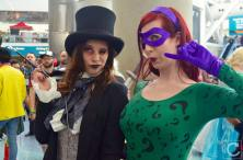 WonderCon 2016 Cosplay Funny Outtakes 43 Penguin Riddler Crossplay