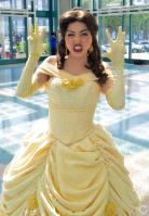 WonderCon 2016 Cosplay Funny Outtakes 6 Belle Beauty and the Beast