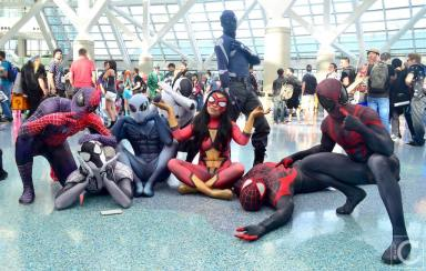 WonderCon 2016 Cosplay Funny Outtakes 81 Spider-Man Group