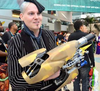 WonderCon Cosplay Saturday 2016 164 Zorg Fifth Element
