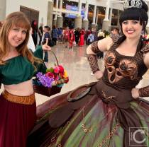 WonderCon Cosplay Saturday 2016 76 Xena and Gabrielle