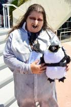 san-diego-comic-con-2016-cosplay-14-the-penguin-batman-returns