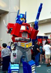 san-diego-comic-con-2016-cosplay-145-optimus-prime-transformers