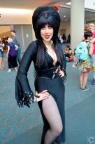 san-diego-comic-con-2016-cosplay-162-elvira-mistress-of-the-dark