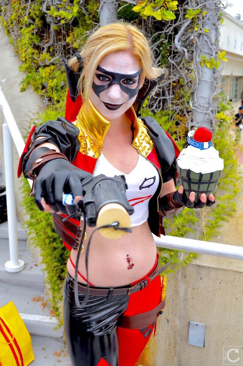 san-diego-comic-con-2016-cosplay-23-harley-quinn