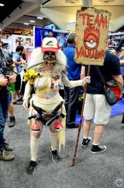 san-diego-comic-con-2016-cosplay-32-pokemon-go-immortan-joe