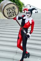 san-diego-comic-con-2016-cosplay-34-harley-quinn-mallet