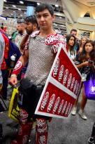san-diego-comic-con-2016-cosplay-43-dr-pepper-knight