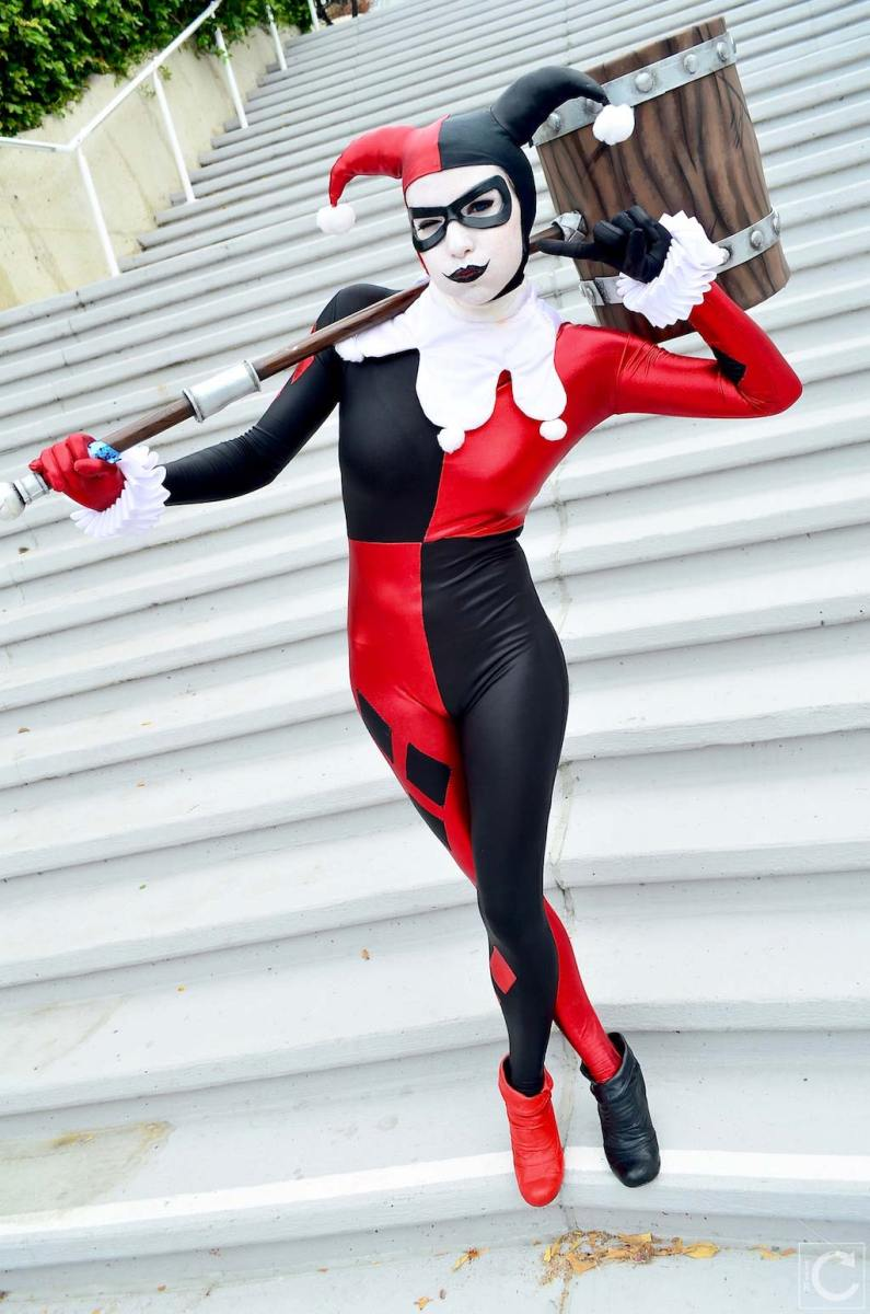 san-diego-comic-con-2016-cosplay-outtakes-15-classic-harley-quinn