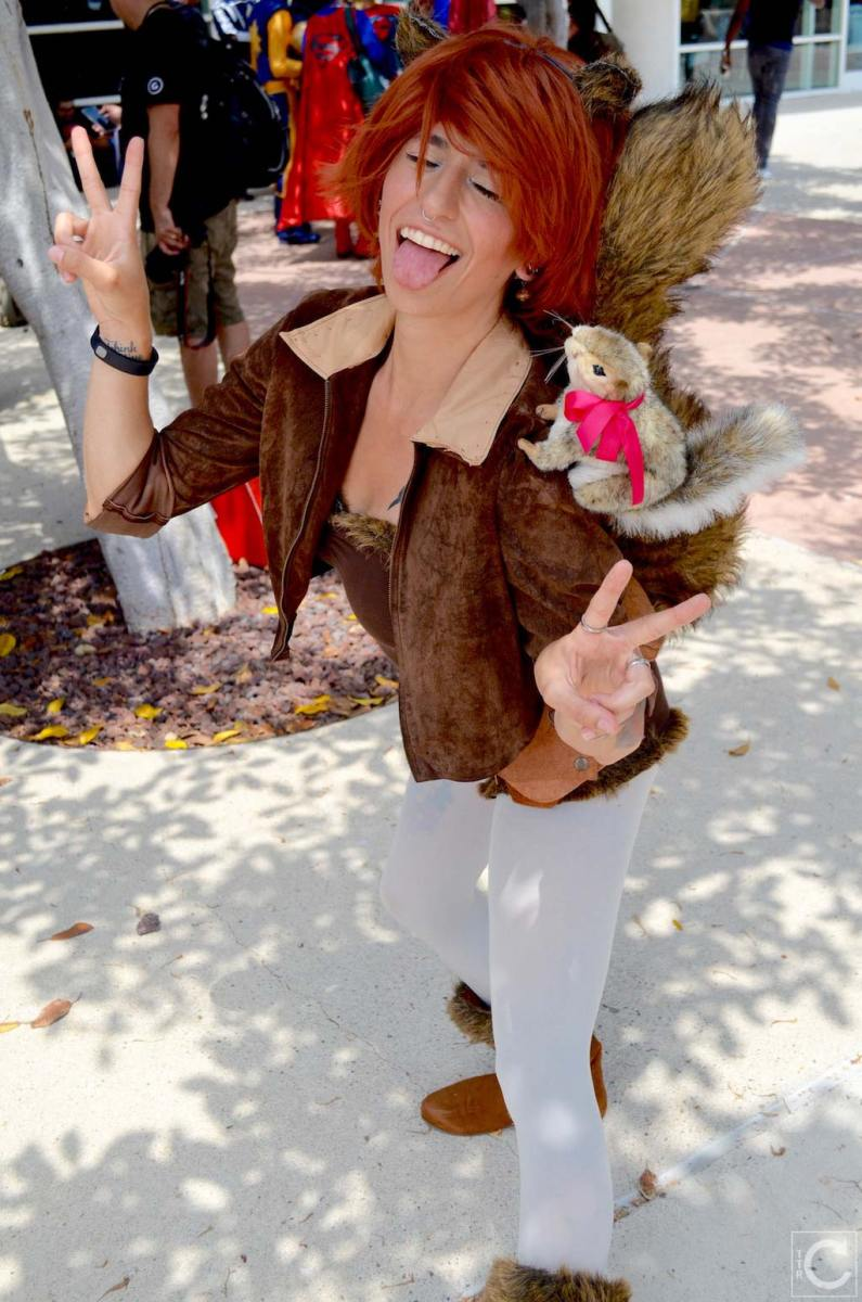 san-diego-comic-con-2016-cosplay-outtakes-38-squirrel-girl