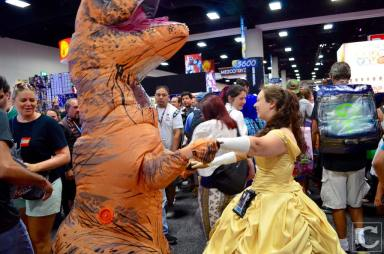 san-diego-comic-con-2016-cosplay-outtakes-4-t-rex-belle-beauty-and-the-beast