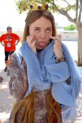 san-diego-comic-con-2016-cosplay-outtakes-43-margaery-tyrell-game-of-thrones