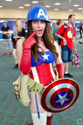 san-diego-comic-con-2016-cosplay-outtakes-47-captain-america-crossyplay