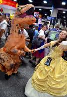 san-diego-comic-con-2016-cosplay-outtakes-6-t-rex-belle-beauty-and-the-beast