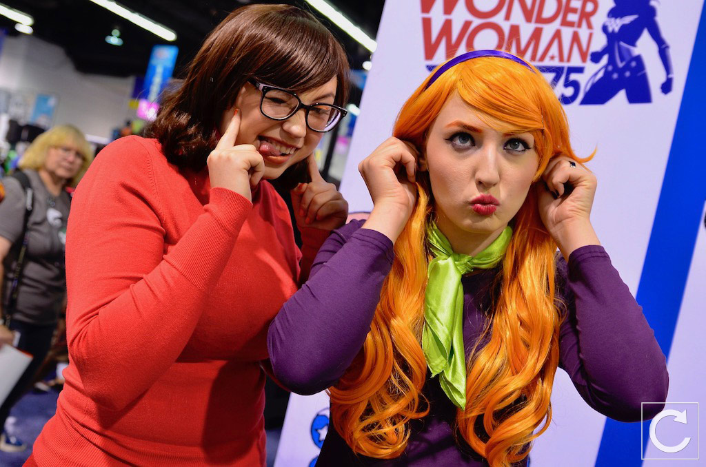 WonderCon 2017 Cosplay Funny Sccoby Doo Daphne and Velma