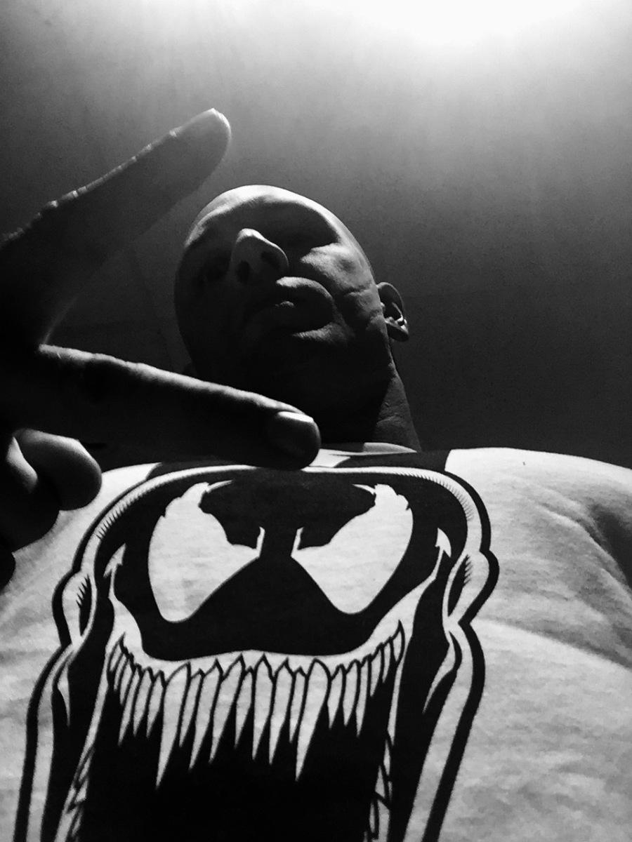 Tom Hardy Venom Selfie